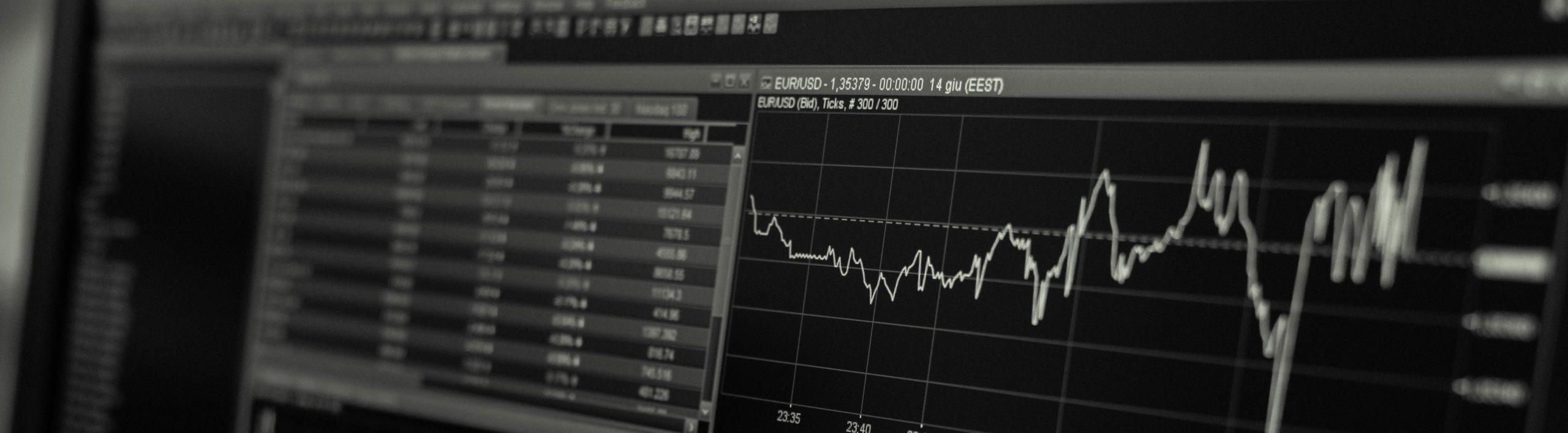 eurusd chart on a screen